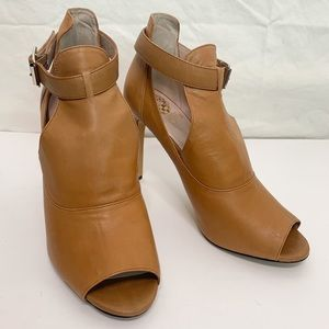 Vince Camuto / Leather Open Toe Ankle Booties